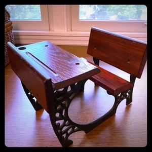 kingsyate, The doll crafters old school desk